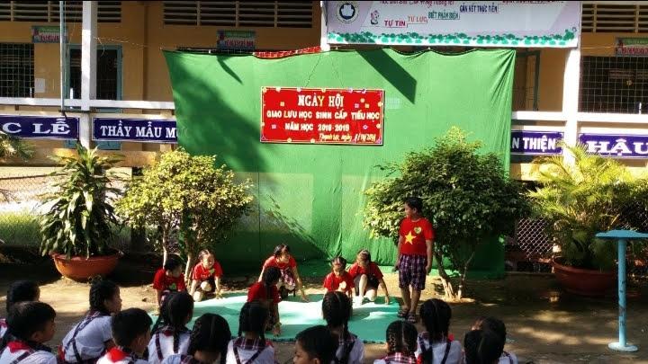 Ngày hội giao lưu học sinh Trường Tiểu học Thạnh Lợi.