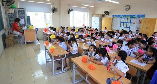 Giáo viên tại lớp học ở trường Tiểu học Chu Văn An (quận Hoàng Mai, Hà Nội). Ảnh: Gia Chính