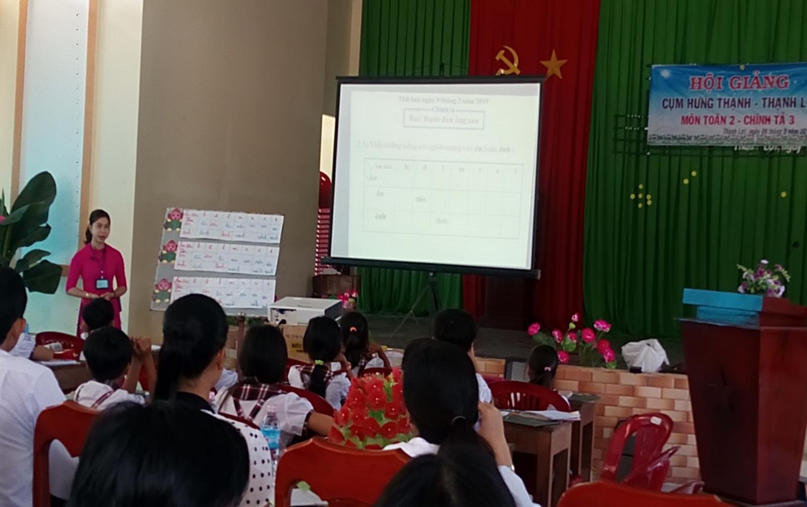 Cô Dương Thị Hồng Linh – GV Trường TH Thạnh Lợi dạy minh họa phân môn Chính tả lớp 3